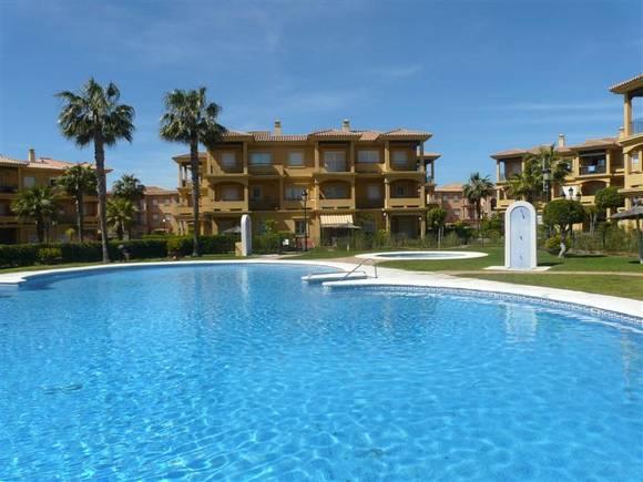 Alquiler apartamento con jardín en Chiclana, Residencial Costa Gadir