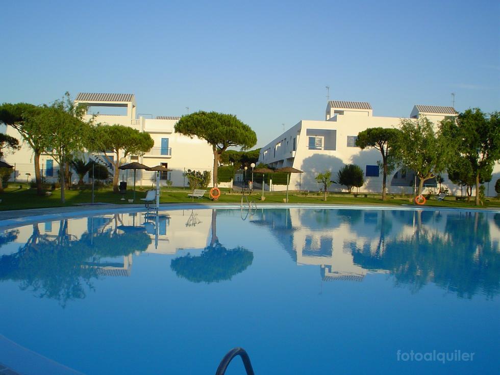 Alquiler de apartamento con piscina infantil, Urbanización La Almadraba, Chiclana