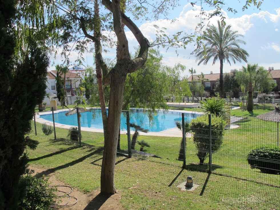 Alquiler de apartamento en planta baja en la urbanización Aldea del Coto, Chiclana