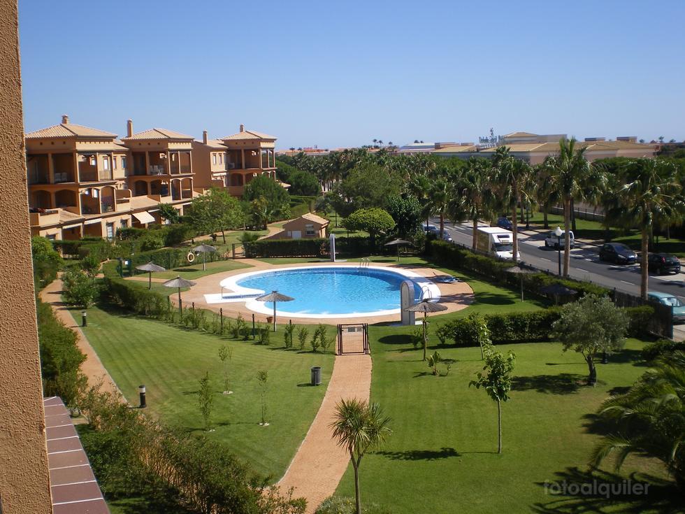 Alquiler de ático en el Residencial Alcotán, Novo Sancti Petri, Chiclana de la Frontera,Cádiz, ref.: chiclana6771