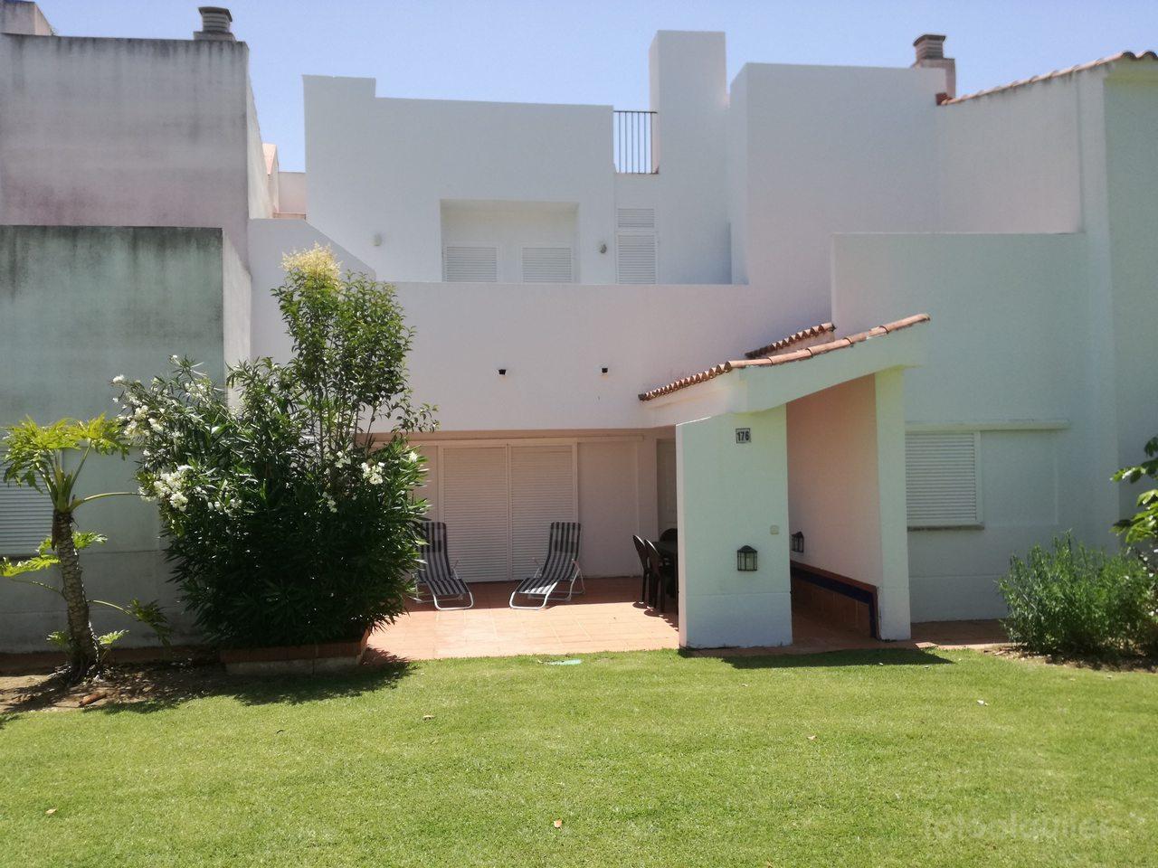 Chalet 3 dormitorios en Chiclana, urbanización la Loma de Sancti Petri
