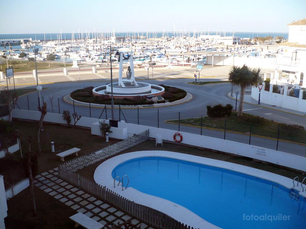 Alquiler de piso en primera línea de playa en Chipiona, Cádiz, ref.: chipiona2016