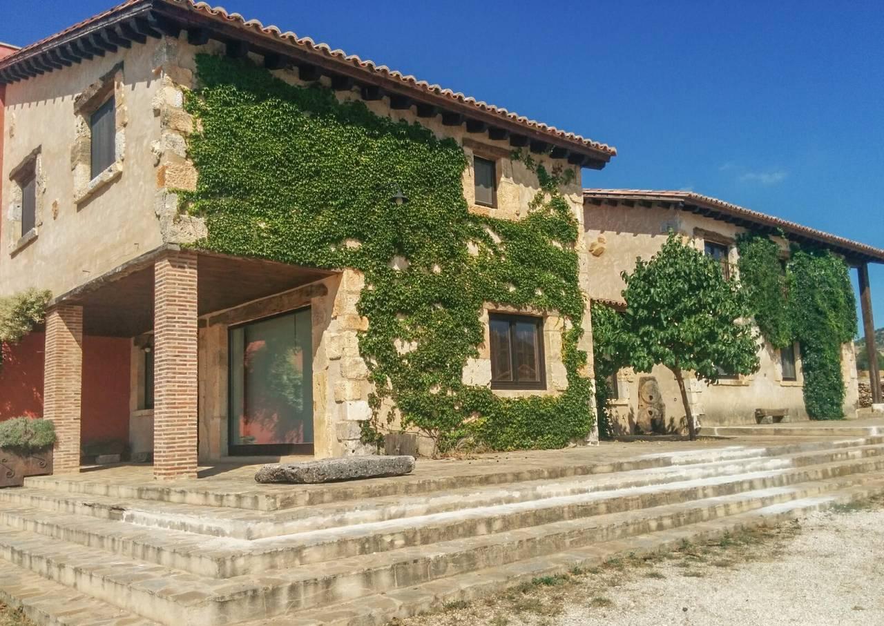 Casa Rural Cinco Celemines Norte, alojamiento rural con espectaculares vistas en Briongos de Cervera, Burgos