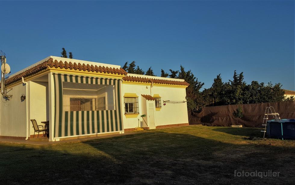 Alquiler de casa con piscina privada en Conil, Cádiz