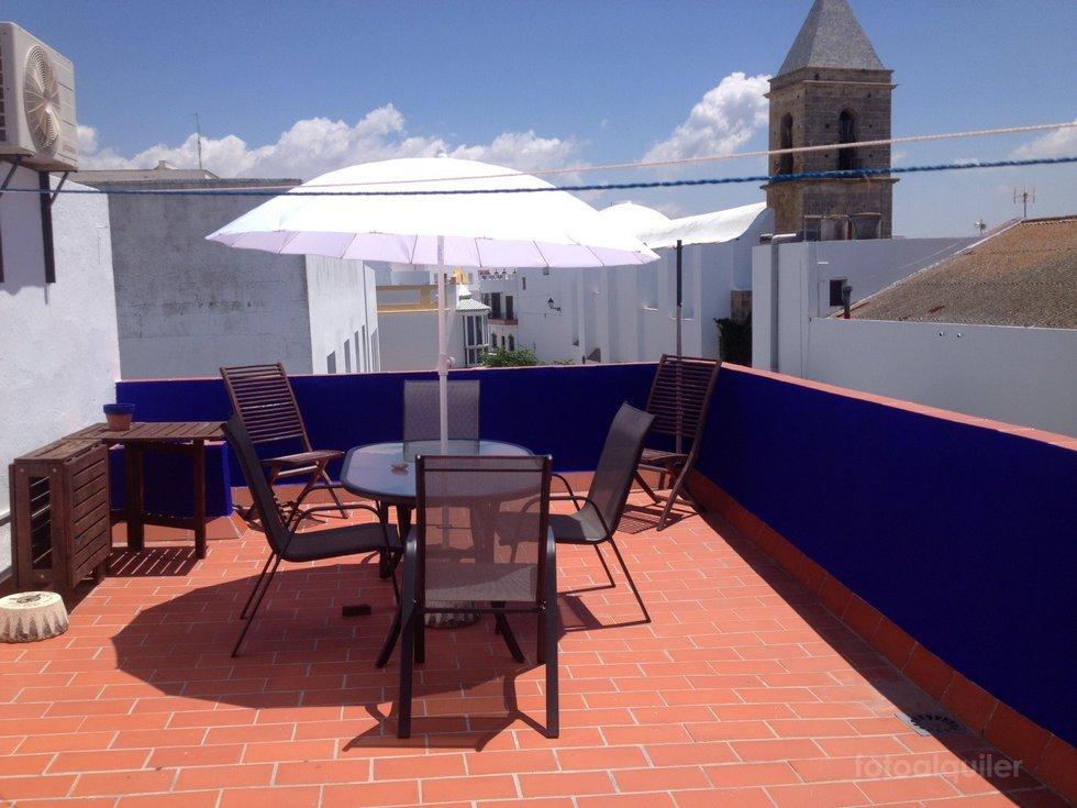 Alquiler piso con dos dormitorios en el centro de Conil de la Frontera
