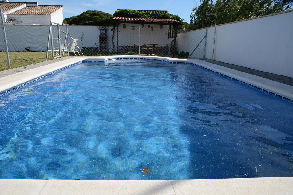 Alquiler de chalet con piscina en Conil de la Frontera