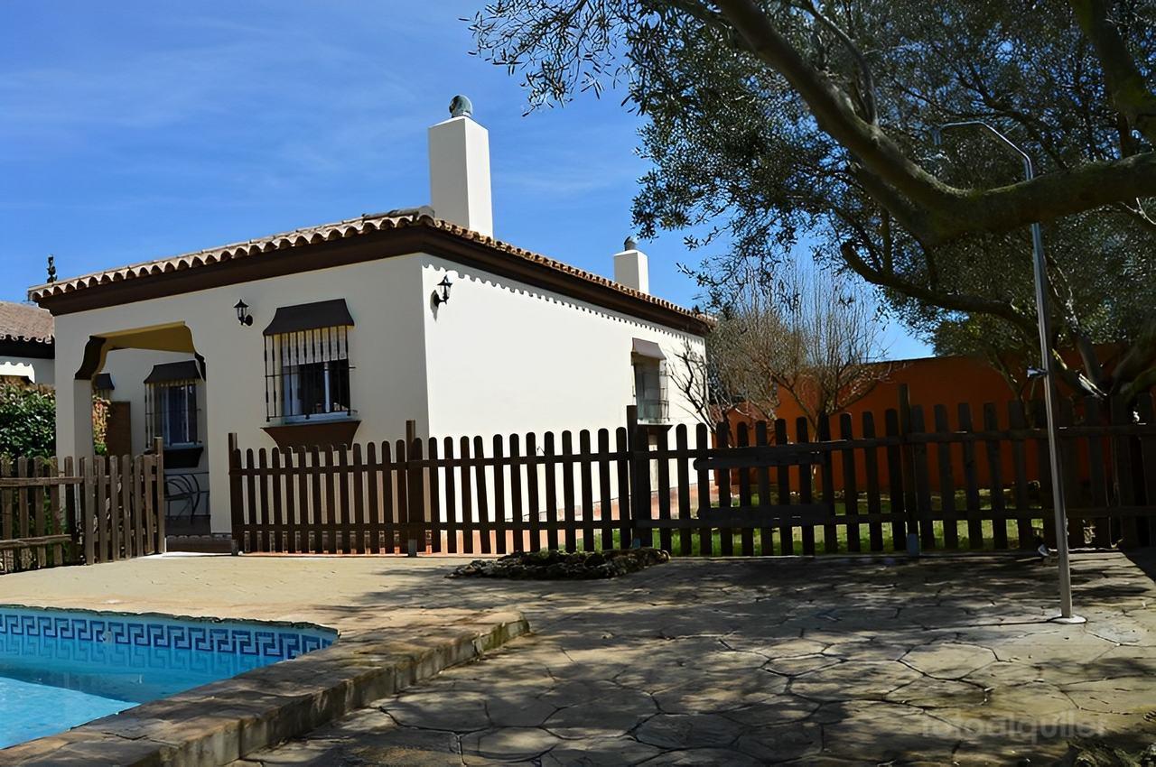 Chalet en la urbanización Roche Viejo, Cala del Aceite, Conil de la Frontera