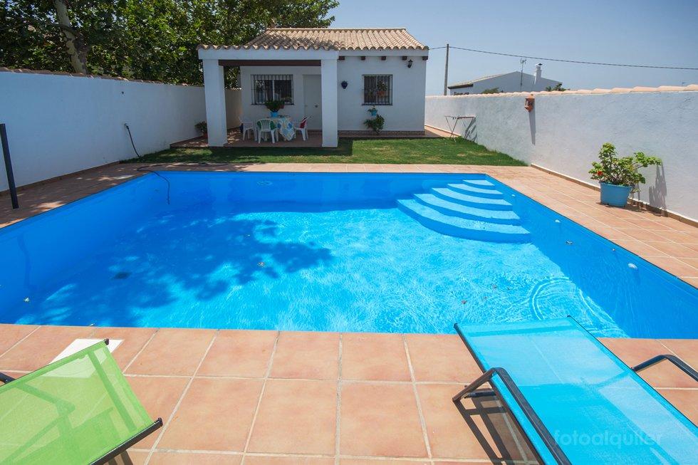 Chalet en Conil, casa para vacaciones con piscina en Conil de la Frontera, Cádiz