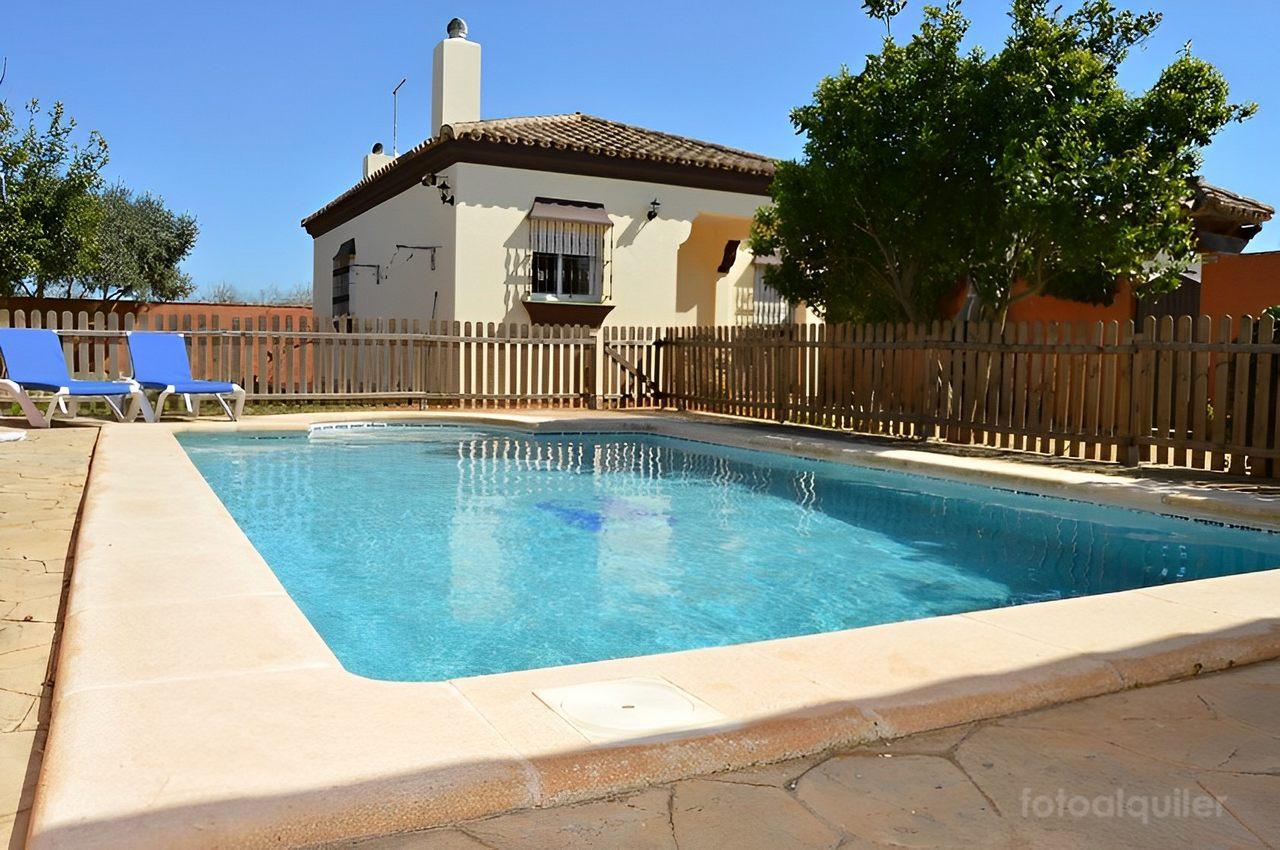 Chalets con piscina privada en Roche Viejo, Conil de la Frontera