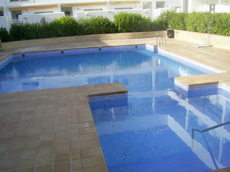 Apartamento en segunda linea de playa en el Edificio Miramar, Costa Ballena