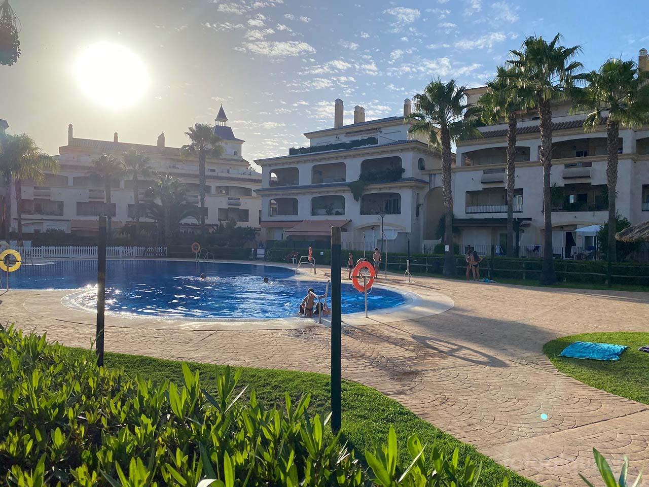 Alquiler chalet con jardín privado en Costa Ballena, Rota, Urbanización Paraíso Playa Golf, Cádiz