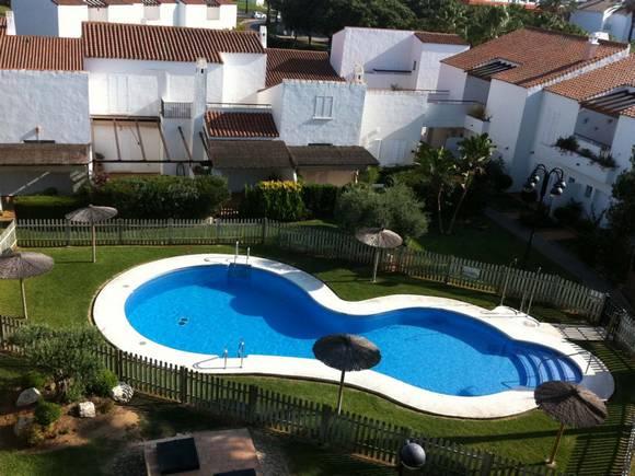Ático con vistas al campo de golf, Urbanización Club Salinas, Costa Ballena