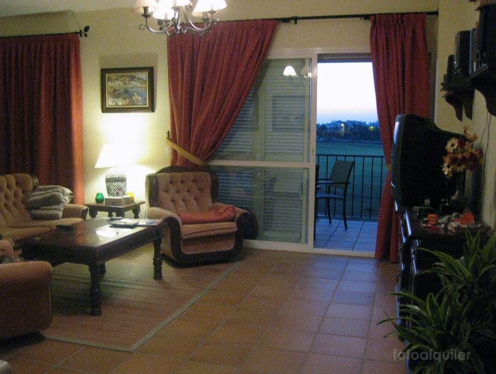 Alquiler de atico duplex y piso bajo en Costa Ballena, urbanización Torresalada I
