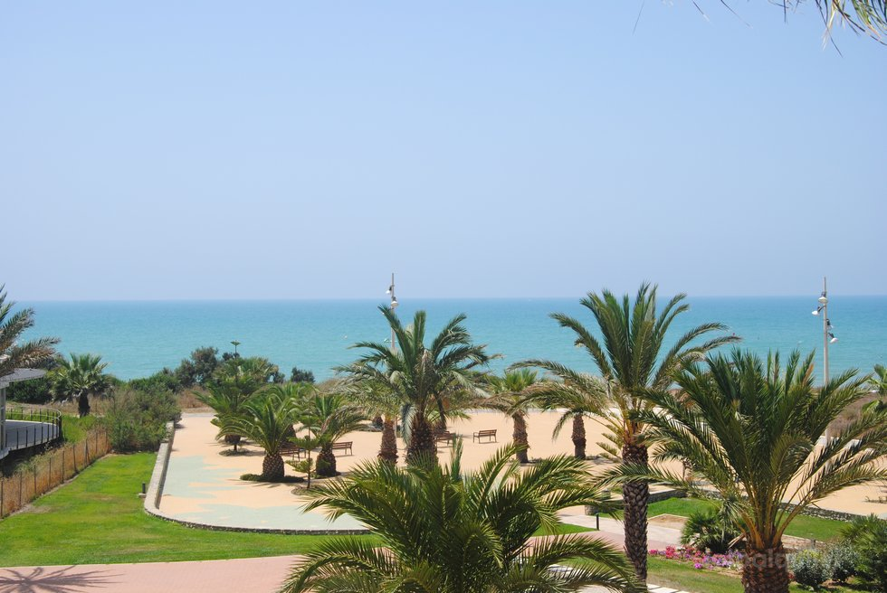 Primera línea playa ático con 3 dormitorios, Costa Ballena, urbanización Luz Ballena