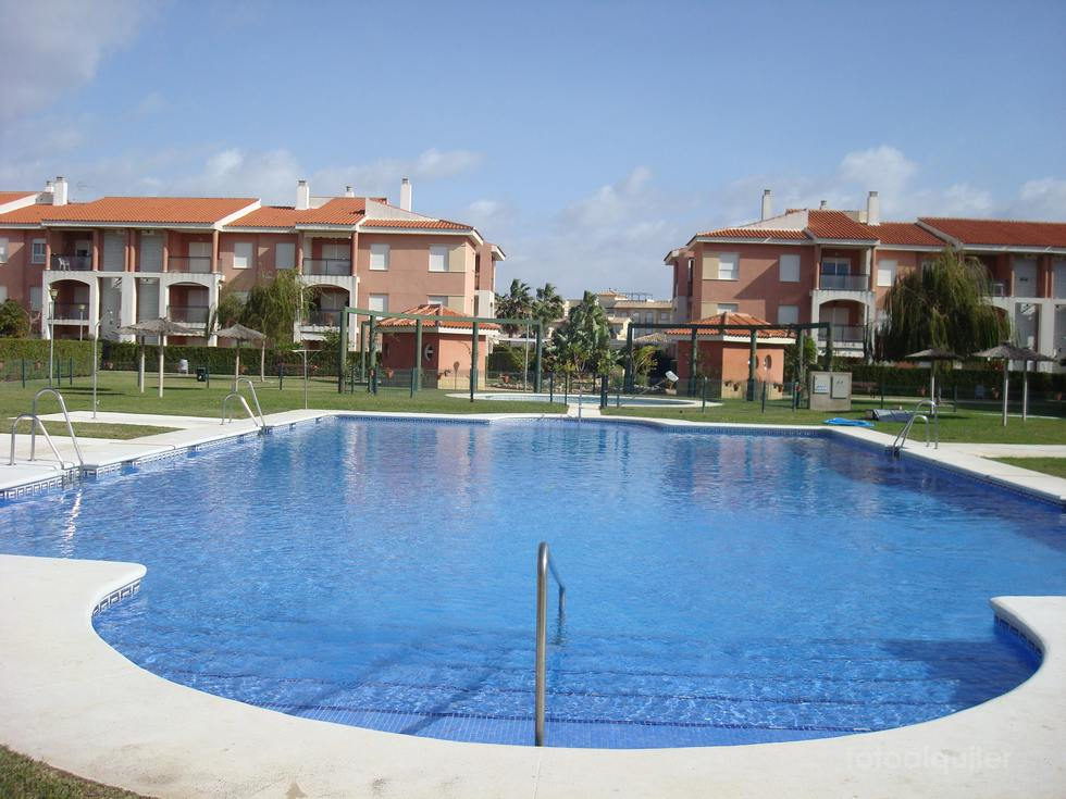 Chalet adosado 4 dormitorios en Alca Golf, Costa Ballena, Rota