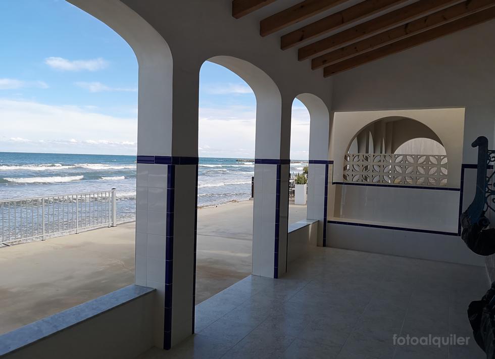 Alquiler de chalet en primera línea de playa de Les Deveses, Denia, Alicante, ref.: denia-11229