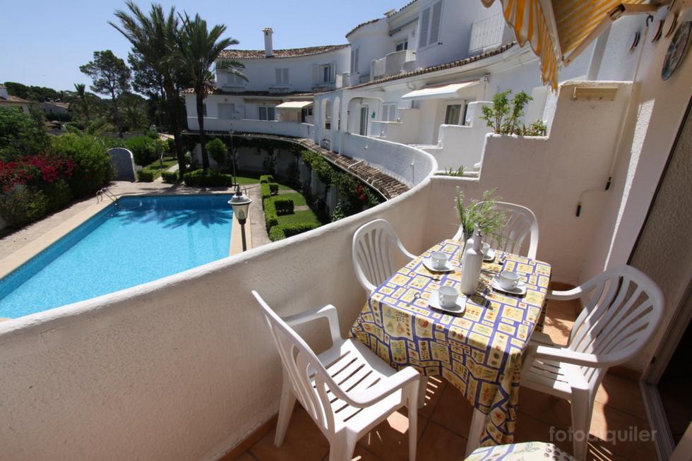Apartamento con piscina en la playa de Denia