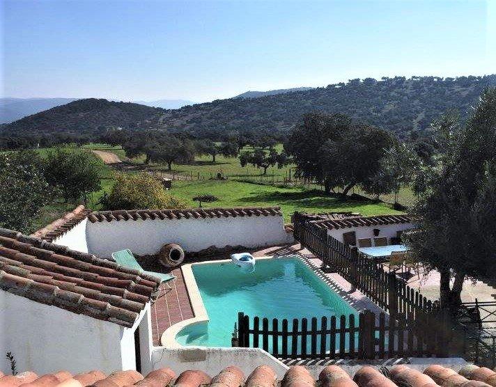 Casa rural Doña Paula con piscina en la Sierra de Córdoba, Fuente Obejuna