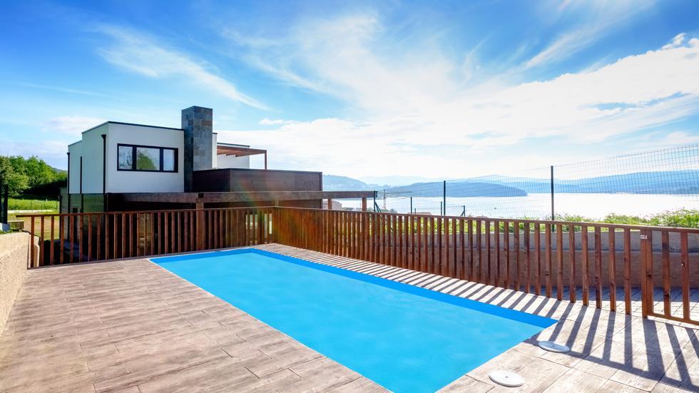 Alquiler de casa vacacional Ecocasa de O Freixo, Outes, A Coruña, Casa ecologica con piscina y jardin
