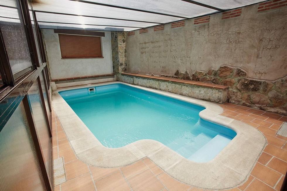 El Mirador de la Fortaleza, casa grande con piscina climatizada y jacuzzi en Navaluenga, Avila