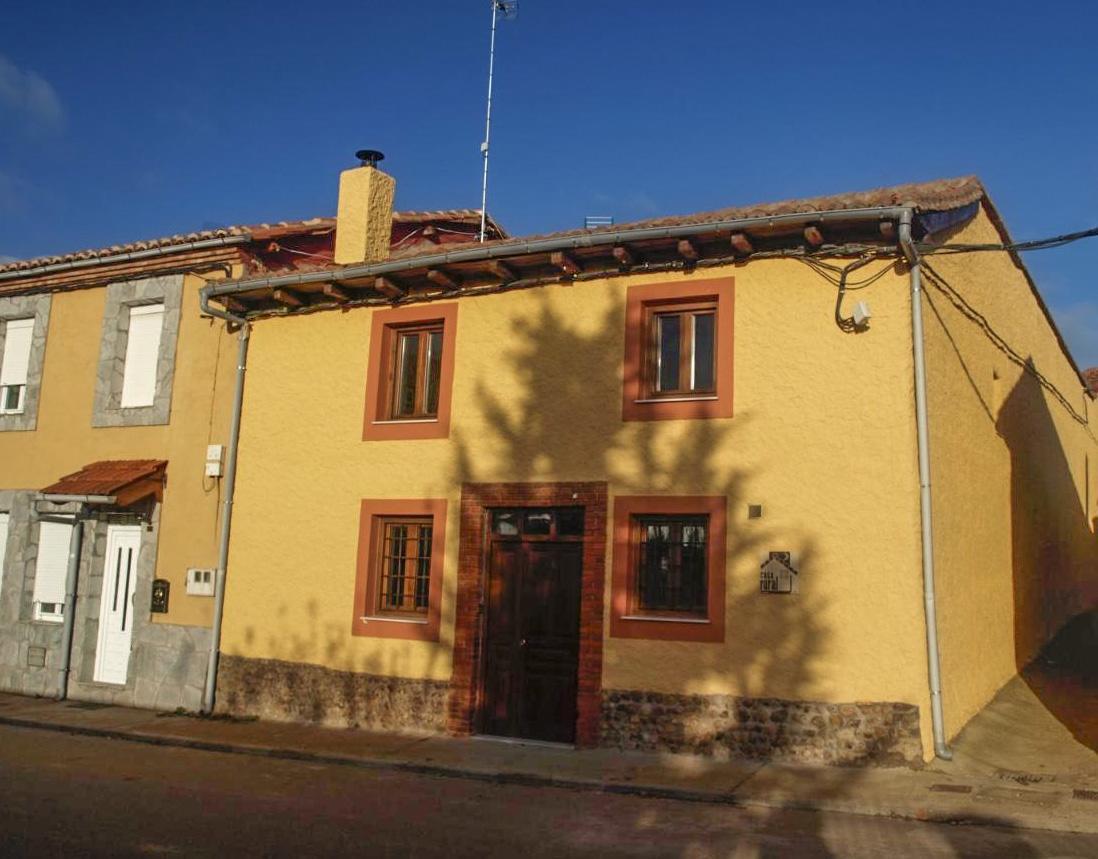 Casa Rural El Peralón en el Camino de Santiago, Aldea de Valdoncina, León, Ref: elperalon