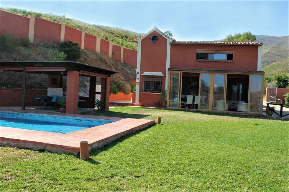 Alquiler de casa de campo Finca Devanagari, en Ojén, Marbella, Málaga
