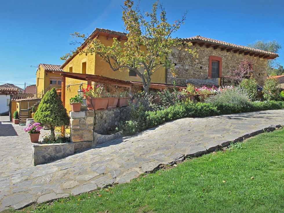 Complejo Turístico Valle del Fenar, Robledo de Fenar, León.