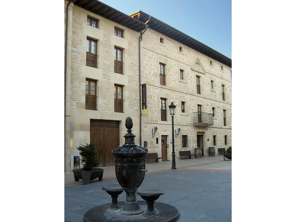 HoteL Arganzón Plaza en La Puebla de Arganzón, Burgos. Hotel para seminarios y conferencias.
