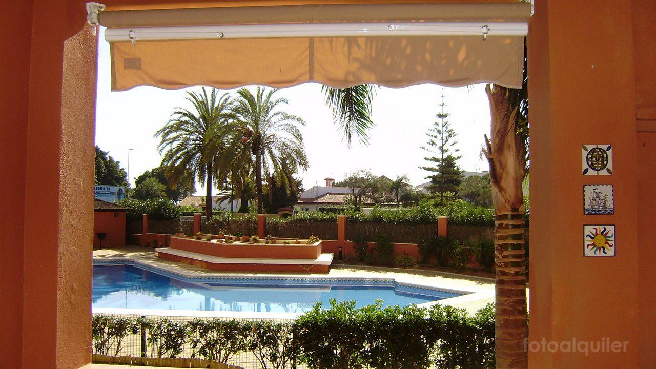 Alquiler de apartamento en el Residencial Los Gavilanes, primera línea de playa, Isla Canela, Ayamonte, Huelva, ref.: islacanela10713