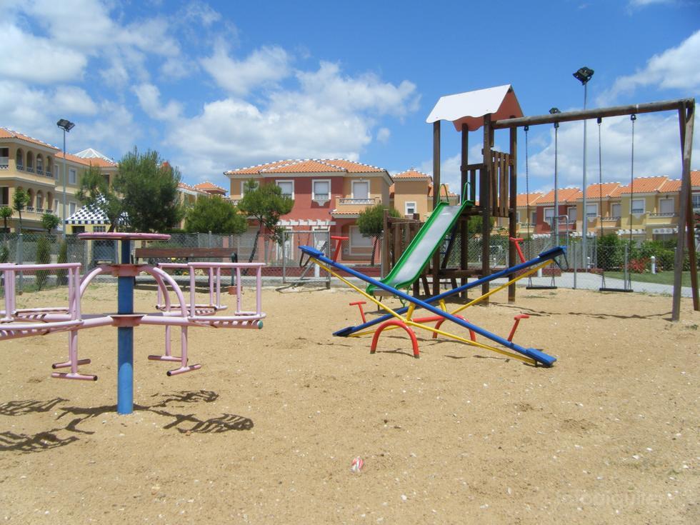 Apartamento con jardín en Islantilla, Urbanización Las Lomas II