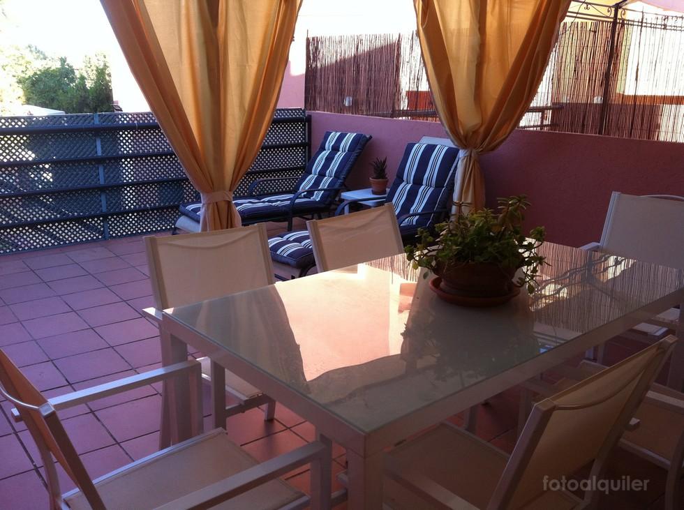 Alquiler chalet dos dormitorios en Islantilla, Urbanización Las Moras I