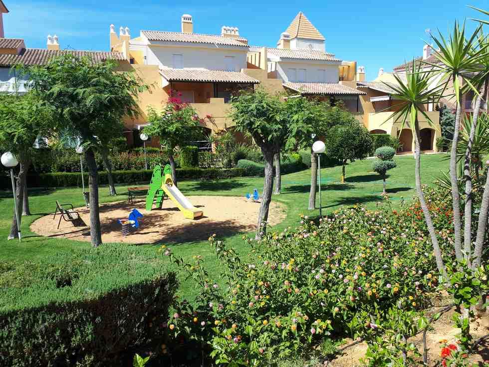 Alquiler apartamento con vistas al campo de golf y al mar en Islantilla, Urbanización Palo Verde