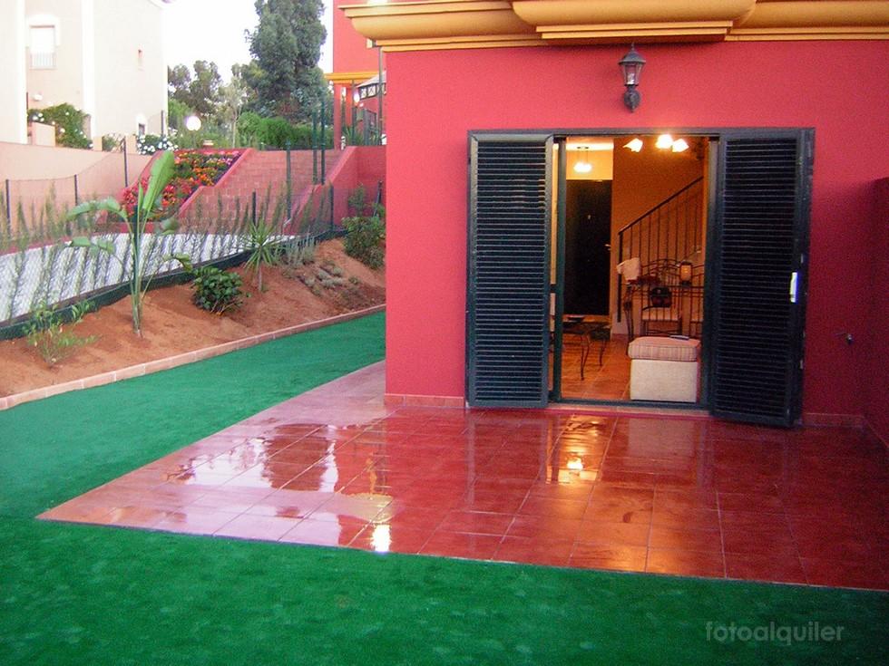 Chalet con jardín ideal familias en Urbanización Acuario Golf, Islantilla
