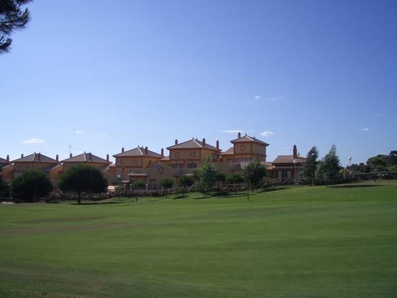 Alquiler de chalet adosado en Islantilla, Urbanización Las Villas de Islantilla, Huelva, ref.: islantilla1512