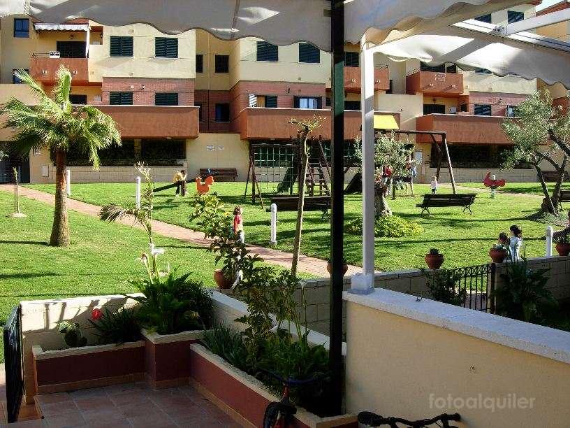 Apartamento con jardín en urbanización Las Palmeras Golf II, Islantilla