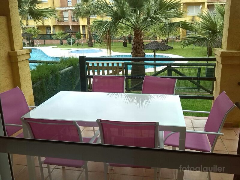 Alquiler apartamento en planta baja con jardín en Islantilla, Huelva