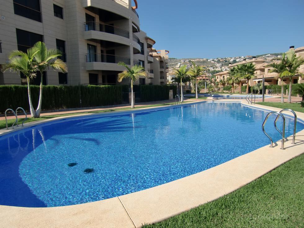 Alquiler de apartamento en la urbanización Jardines del Gorgos en Jávea, Alicante, ref.: javea-10898