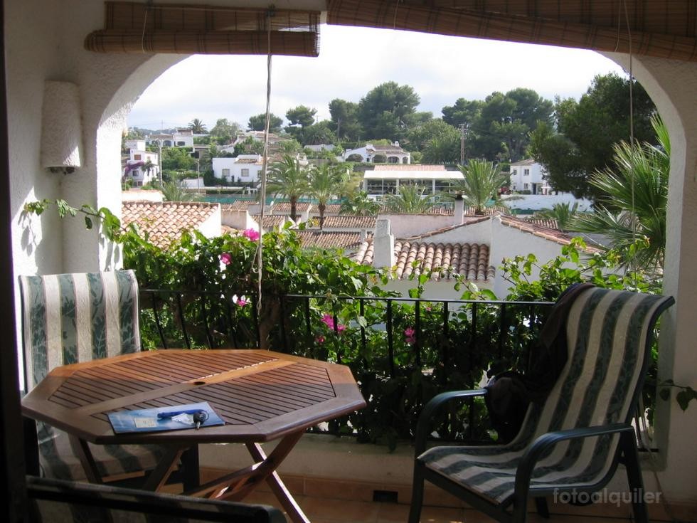 Bungalow con jardín en la urbanización Toscamar, Jávea, Alicante, ref.: javea-50628