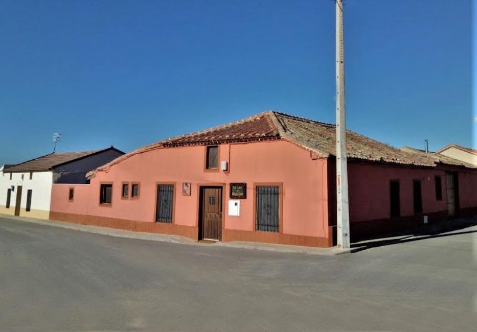 La Casa del Abuelo Simón, casa rural para 15 personas en Fuente El Saúz, Avila.