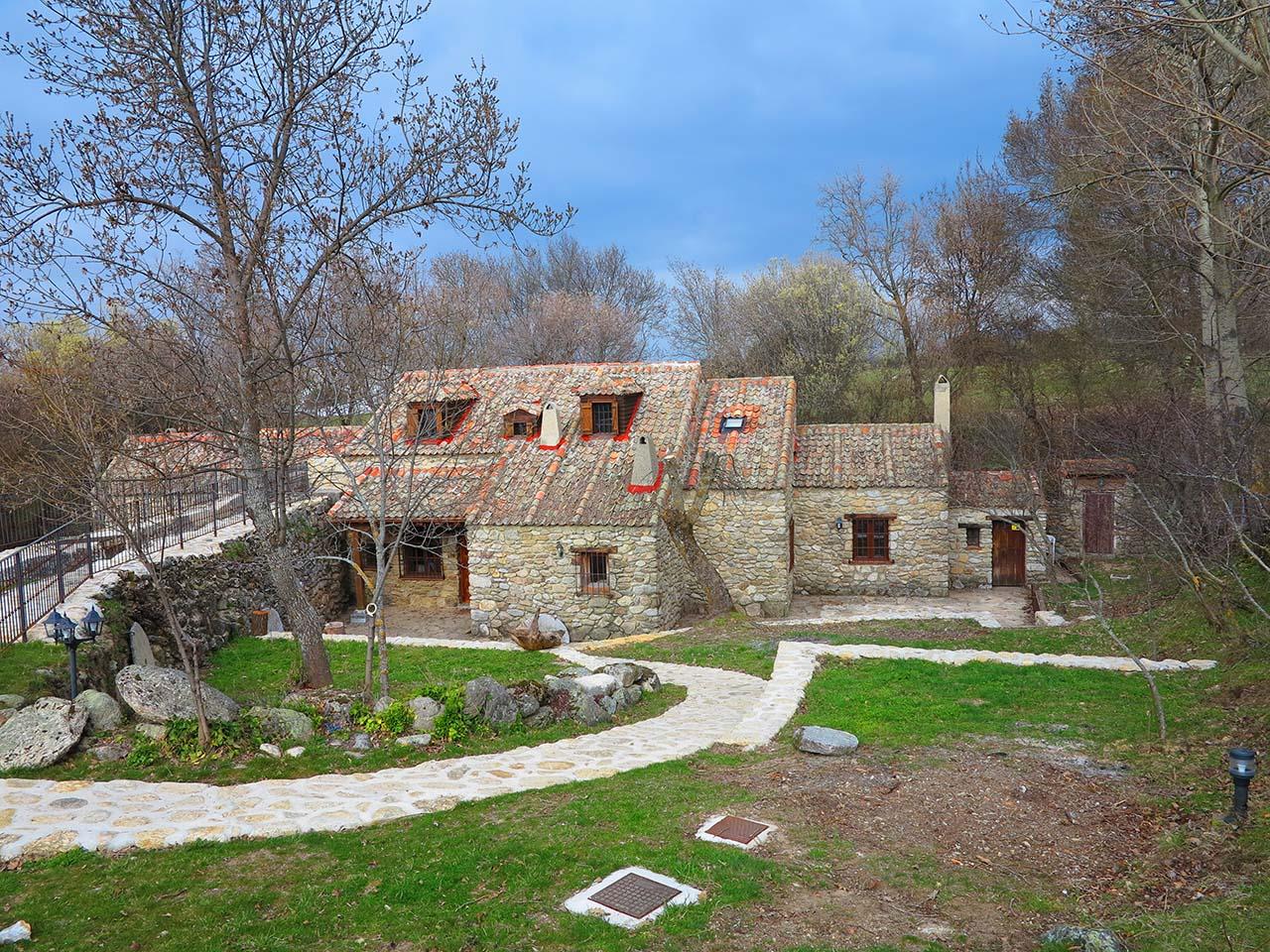 La Casa del Molino, alquiler de casa rural con jardín y piscina en Segovia, Ortigosa del Monte Ref.. la-casa-del-molino