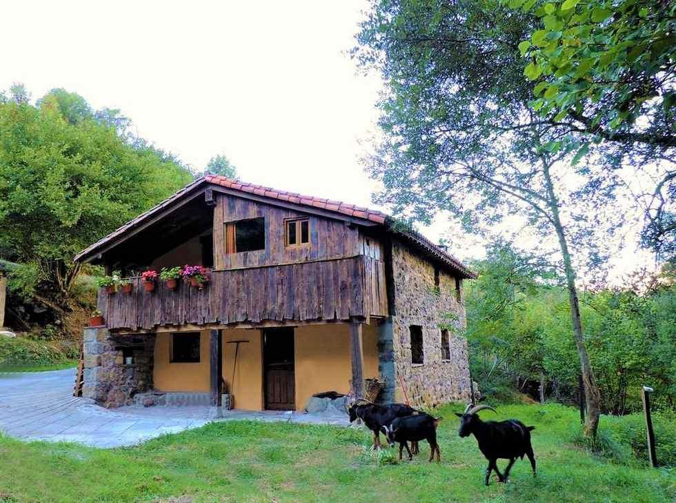 Casa Rural La Hirririá en San Roque de Riomiera, Cantabria