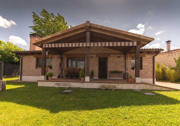 Casa Rural La Huerta de Ananías, alojamiento rural en una sola planta en Humienta, Burgos