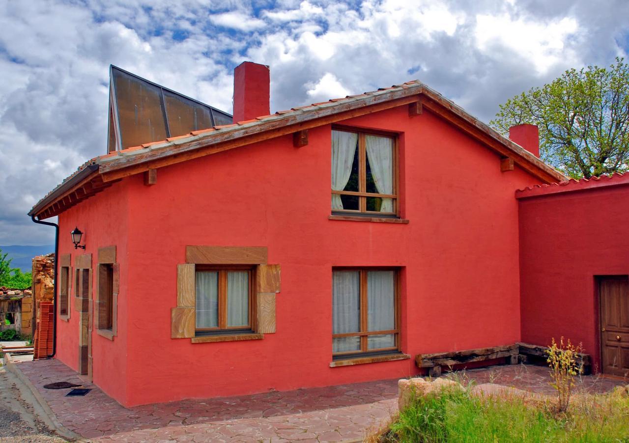 La Morera de Agustina, casa rural con jardín y barbacoa en Villanueva de Carazo, Burgos