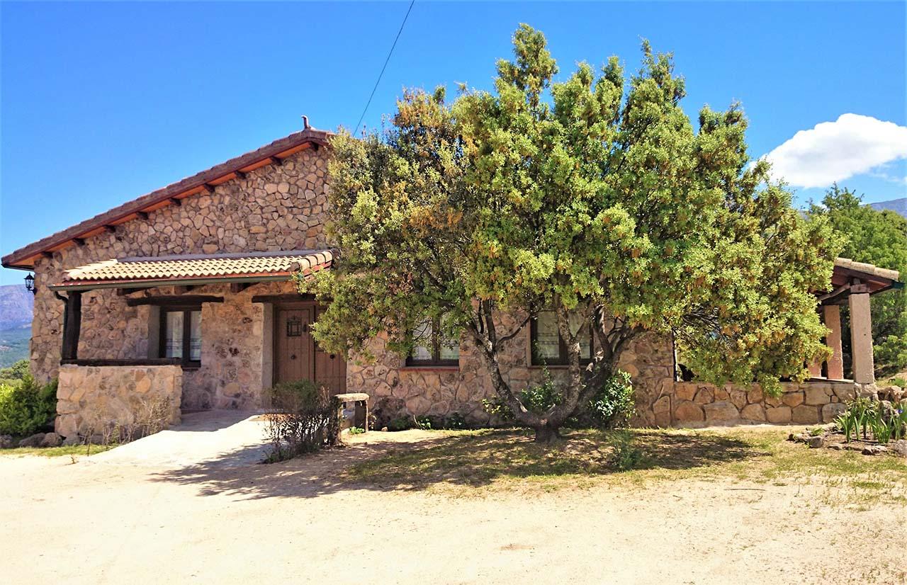 Casa Rural La Peguera de Gredos en Burgohondo, Avila.