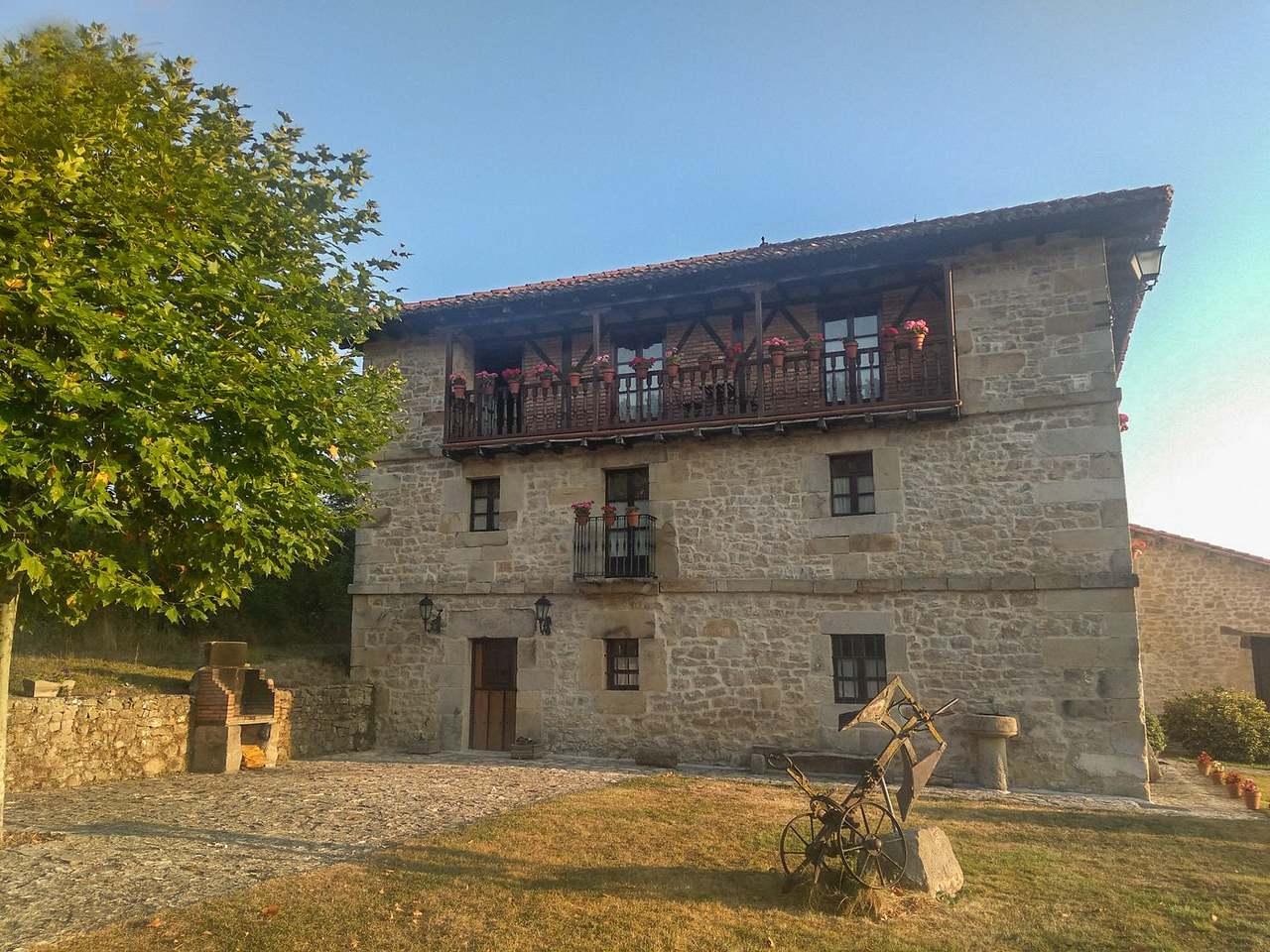 LaToba, casa rural para 20 personas en Las Merindades, Bezana, Burgos