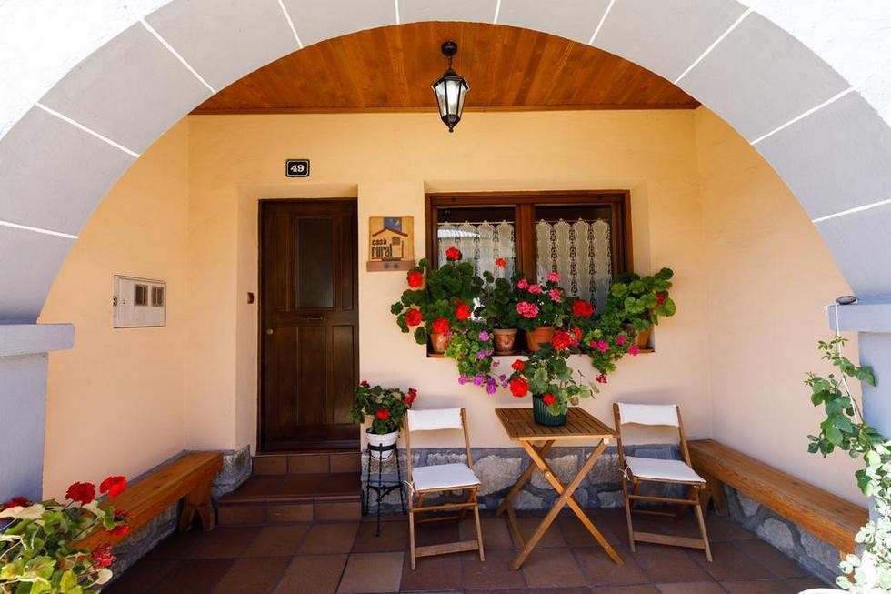 Alquiler de casa rural para 10 personas en el Cañón del río Lobos, Soria, Casa rural Laguna negra 49 en San Leonardo de Yagüe