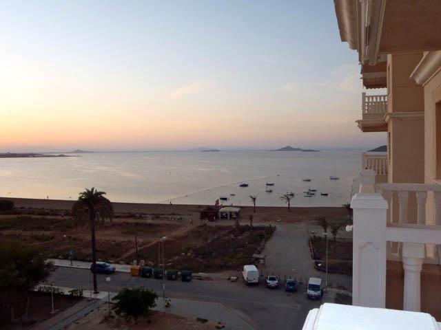 Primera línea de playa, apartamento en La Manga del Mar Menor, Murcia, ref.: lamanga2271