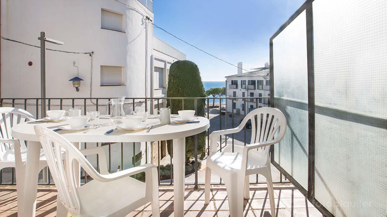 Alquiler apartamento primera línea de mar, playa de Llafranc, Costa Brava, Girona