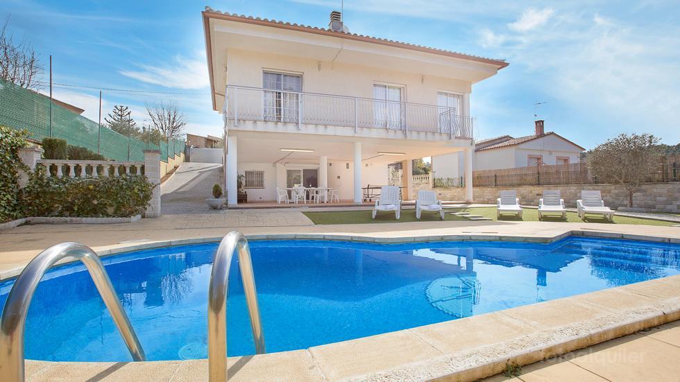Alquiler de Villa en Lloret de Mar, urbanización Aigua Viva Park, Girona.