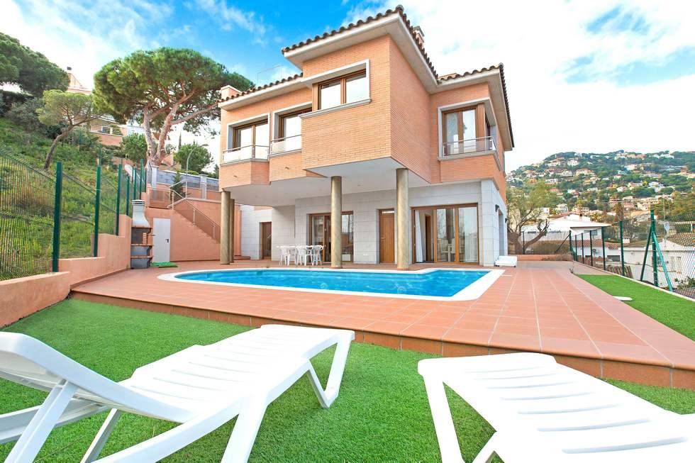 Villa Paulina, chalet independiente en Lloret de Mar, Girona
